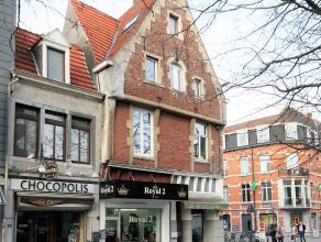 Uitzonderlijk historisch vastgoed, woonst met handelsruimte van 50 m² op een perceel van 403 m² gelegen op toplocatie in hartje Leuven.<br /