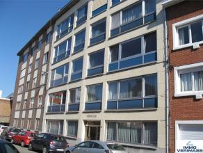 Beschikbaar 01/11 - available 01/11. AUTOSTAANPLAATS INCLUSIEF. Appartement met 2 slaapkamers en terras achteraan gelegen in het centrum van Leuven. I