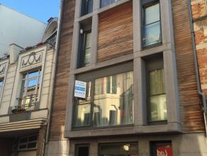 Appartement met 2 slaapkamers <br /> Dit uiterst gezellig duplexappartement in het centrum van Blankenberge is gelegen op de eerste verdieping van een