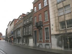 Deluxe 1 slaapkamer duplexappartement te centrum van Leuven. <br /> <br /> Dit appartement gelegen op de eerste verdieping, situeert zich recht in het