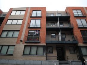 Centraal gelegen 1 slaapkamer appartement. <br /> <br /> Instapklaar appartement gelegen op de eerste verdieping. Ruime living en geïnstalleerde