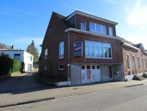 Gerenoveerde woning met 4 slaapkamers, bureau, ruime woonplaats, keuken, garage en tuintje op wandelafstand van centrum Leuven.<br /> De ramen werden