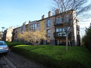 Aangenaam appartement met garagebox in kleinschalig gebouw nabij het UZ Gasthuisberg! <br /> Het appartement beschikt over een ruime en lichtvolle liv
