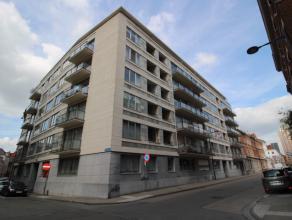 Deze burelen/kantoorruimte is te huur in een gebouw gelegen op de hoek van de Rijschoolstraat en de Vaartstraat te Leuven.<br /> <br /> Er zijn 6 kant