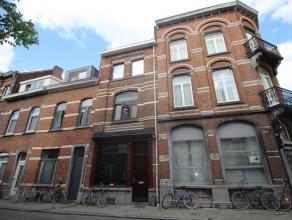 Toffe studio met slaapduplex. Prima ligging in het centrum van Leuven. Plaats voor fietsen in de gang. <br /> <br /> Duurtijd contract: 3-6-9 jaar<br