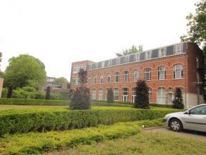 Hoog kwalitatieve studio te huur in het Ravensnest centrum Leuven. <br /> <br /> De studio bestaat uit een ruime woon-slaapgedeelte, een volledig afge
