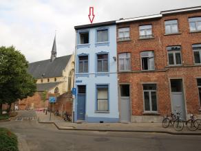 Vergund studentenhuis met 6 entiteiten en tuin op rustige locatie nabij het Groot Begijnhof te Leuven.<br /> De aanbouw op het gelijkvloers en het eer
