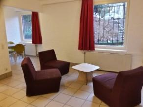 Appartement 1 chambre (remis à neuf en 2016) meublé d'une superficie d'environ 42m², situé au rdc côté parking.