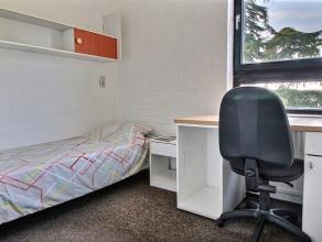 Appartement 1 chambre (+ 1 espace polyvalent pour 2e chambre ou bureau) vintage meublé d'une superficie d'environ 43m² situé &agrav