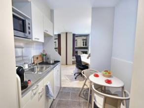 Studio TWIN-COLOCATION moderne meublé d'env. 24m² situé à l'étage 5/10 côté Place du XX Août. S&ea