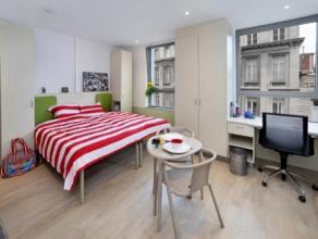 Studio DOUBLE  moderne meublé d'env. 29m² situé à l'étage 6/10 côté Rue des Carmes. Séjour avec r