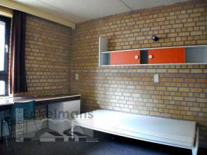 Appartement 1 chambre vintage meublé d'environ 45m² situé à l'étage 1/5 côté parking. Séjour en t