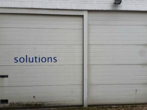 Schriek 235  Magazijn 212 m2 + 59 m2 burelen + autostaanplaats te huur<br /> 66m2 magazijn is voorzien van CV op aardgas (kan uitgebreid worden naar h