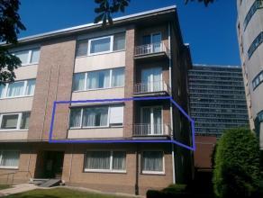 Net buiten de stadsring van Leuven verhuurd Immo Ruelens een appartement op het eerste verdiep van een appartementsblok van 3 verdiepingen. Het appart