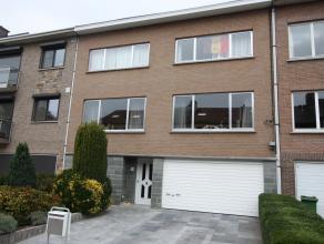 Goed gelegen ruime woning met tuin en garage<br /> Deze woning heeft uitbreidingsmogelijkheden en is geschikt voor zelfstandig beroep omdat er een bur