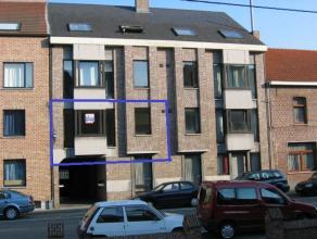 3 slaapkamer appartement gelegen op de 1ste verdieping in klein appartementsgebouw. Geen lift aanwezig. Bij het appartement wordt ook een kelderbergin