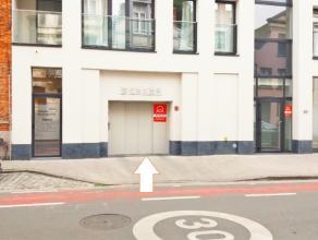 Staanplaats L8 is gelegen op de verdieping -1. Ruime staanplaats in nieuwbouw residentie. Vlotte in-en uitrit. Verhuurwaarde 120 euro/maand.