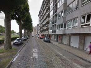Dit kantoorcomplex is gelegen langs de Coupure rechts. Bruto oppervlakte van 1.260 m² (inclusief patio's) en een netto bruikbare vloeroppervlakte