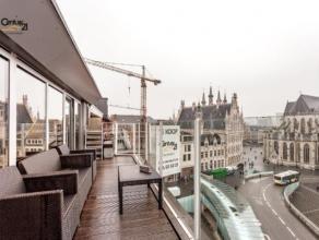Op één van de meest tot de verbeelding sprekende locaties in Leuven, te midden van het bruisende stadsleven, met winkels, leuke restaura