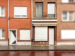Centraal gelegen binnen de ring van Leuven vinden we deze dubbele woning met commercieel gelijkvloers. We bevinden ons te midden van het bruisende Leu