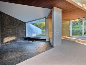 Uccle, dans le quartier 'Léo Errera' magnifique maison de 180 m² réalisée par larchitecte Jacques Dupuis en 1957. Dans le se