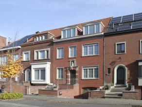 Carl en Clancy verhuizen binnenkort en daarom staat hun woning in de Deken Camerlyncklaan in Kortrijk te koop.<br /> <br /> De woning werd in 1951 geb