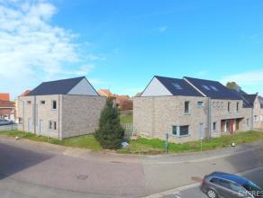 Zeer rustig gelegen in de Nieuwstraat te Borlo, bevinden zich deze 5 energiezuinige, kwalitatief en betaalbare, winddichte gezinswoningen. Verkoop ond