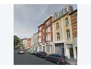 Deze mooie opbrengsteigendom bestaat uit 4 appartementen met een gegarandeerde totale maandelijkse huurinkomst van 2450euro (allen verhuurd). Ze zijn