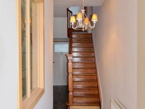 Volledig gerenoveerde en karaktervolle Brugse woning, op een uitstekende en schilderachtige ligging op enkele passen van de Coupure, met de prachtige