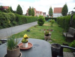 Unieke karaktervolle woning op de grens Wondelgem met Gent, vlakbij openbaar vervoer (tram / lijnbus).  <br /> <br /> De gelijkvloerse slaapkamer en b