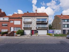 Goed onderhouden appartementsgebouw rustig gelegen te Oostende-Mariakerke met grote tuin achteraan en inpandige garageboxen. Dit uiterst lichtrijk app