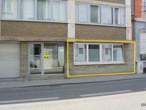 Instapklare, gelijkvloerse STUDIO van 35m² in centrum Leuven, op wandelafstand van station Leuven, gerenoveerd in 2010.  De studio omvat een inko