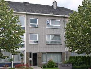 Appartement met 1 slaapkamers te huur in centrum Diest. Het appartement is gelegen op de tweede verdieping van een gebouw met 3 appartementen. Het app