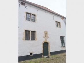 Te renoveren hoekhuis gelegen in het Begijnhof te Diest met koer, Kraaienneststraat 4. Dossier aangeboden in het kader van erfpachtprocedure. Voor bij