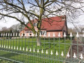 NIEUWE VOORWAARDEN PRIJS IS VERLAAGD MET 14.000€ <br /> <br /> Landhuis gelegen in groene omgeving. Gebouwd met authentieke, kwaliteitsvolle materiale