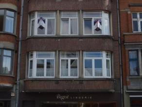 Aucur de Jambes avec une superbe vue sur la citadelle de Namur, découvrez cet appartement 1 chambre.<br /> Profitez des nombreux commerces, tra