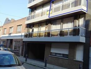 In het centrum van Tienen bieden wij dit gezellig appartement te huur aan. Gelegen op de 2de verdieping , bereikbaar via lift. Het omvat: inkom, zeer