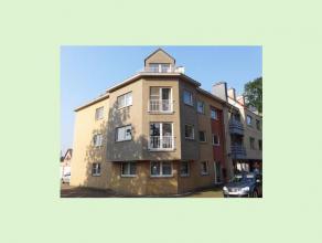 Ruim dakappartement op de derde verdieping te Tessenderlo.Dit appartement van 95m² bestaat uit twee slaapkamers, een ingerichte keuken en badkame