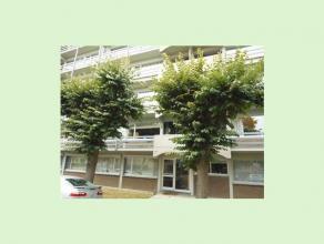 Mooi appartement op de eerste verdieping te Hasselt. Dit appartement van 100m² bestaat uit twee slaapkamers, een ingerichte keuken en badkamer, l