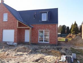 Nieuwbouwwoning halfopen bebouwing op een TOPlocatie. 1. Praktische indeling: Deze halfopen bebouwing is gelegen op een perceel van +/- 4 are 00 ca. D