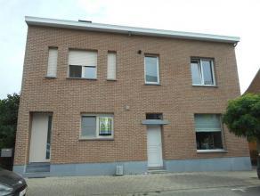 Deze gezellige GB te Hasselt bestaat uit een inkomhal, living, keuken, badkamer, 3 slaapkamers, toilet, terras en tuin (tuinhuis zal nog voorzien word