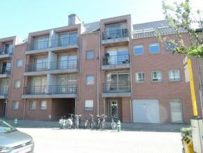 Vrij - te bezichtigen via kantoor.<br /> <br /> Appartement, 96 m², instapklaar, 1ste verdiep, met hal, living, keuken (keukenkasten, spoeltafel,