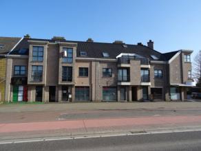 Vrij - te bezichtigen via kantoor .<br /> <br /> Appartement, 57 m², 2de verdiep, met living, kookhoek (keukenkasten, spoeltafel, dampkap, 4 elek
