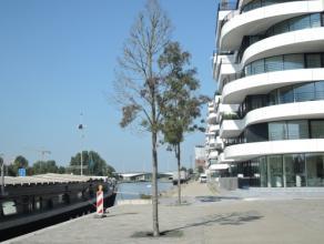 Vrij - te bezichtigen via kantoor.<br /> <br /> Instapklaar nieuwbouwappartement gelegen aan de Blauwe Boulevard met zicht op het kanaal, residentie Z