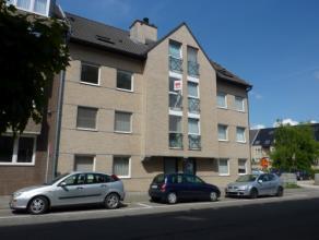 Vrij - te bezichtigen via kantoor.<br /> <br /> Appartement, 74 m², instapklaar, 2de verdiep, met hal, living, keuken (keukenkasten, spoelbak, da