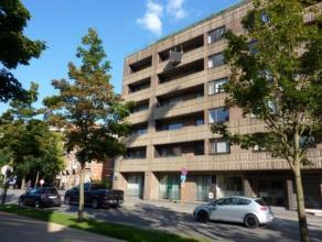 Vrij - te bezichtigen via kantoor.<br /> <br /> Appartement, mooie ligging vlakbij het stadscentrum, instapklaar, 5de verdiep, met hal, living, keuken