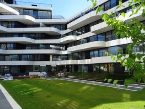 Vrij 01.09.2017 - te bezichtigen via kantoor.<br /> <br /> Nieuwbouwappartement gelegen aan de Blauwe Boulevard, instapklaar, 98 m², 1ste verdiep