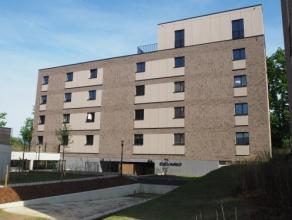 Vrij 15.08.2017 - te bezichtigen via kantoor.<br /> <br /> Nieuwbouwappartement in residentie Alverpark gelegen in een groene omgeving vlakbij het sta