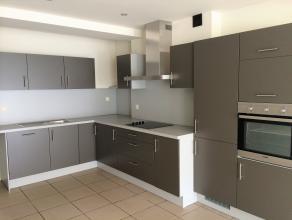 Mooi gerenoveerd gelijkvloers appartement (ca. 70 m²) met 1 slaapkamer en ruim terras (ca. 28 m²) in de binnenstad van Hasselt aan de Molenp