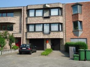 Gelijkvloerse kantoor/praktijkruimte op wandelafstand van het centrum van Hasselt met een netto oppervlakte van 45 m² en voldoende parkeergelegen